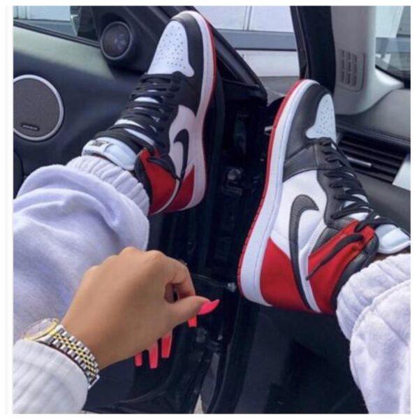 Air Jordan 1 32