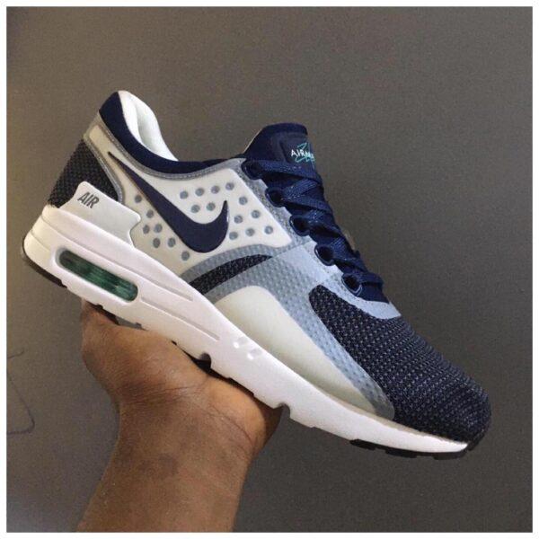 Nike 90 3